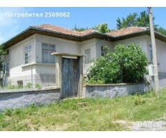 Продава се къща в село Берковски