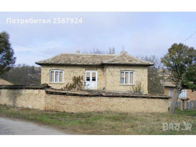 Продава се двуетажна къща