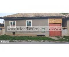 Продава се двуетажна къща в село Водица