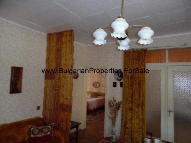 Втори етаж от къща в гр. Попово